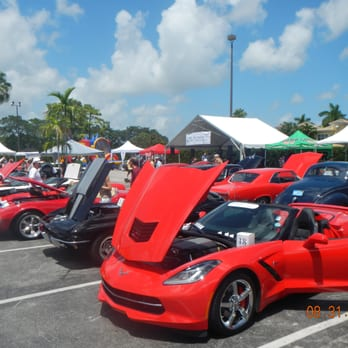 Pig Out Gourmet Food Truck Expo Custom Car Show Photos - Palm beach car show