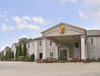 Super 8 by Wyndham Calvert City Kentucky Lake Area: 86 Campbell Drive, Calvert City, KY