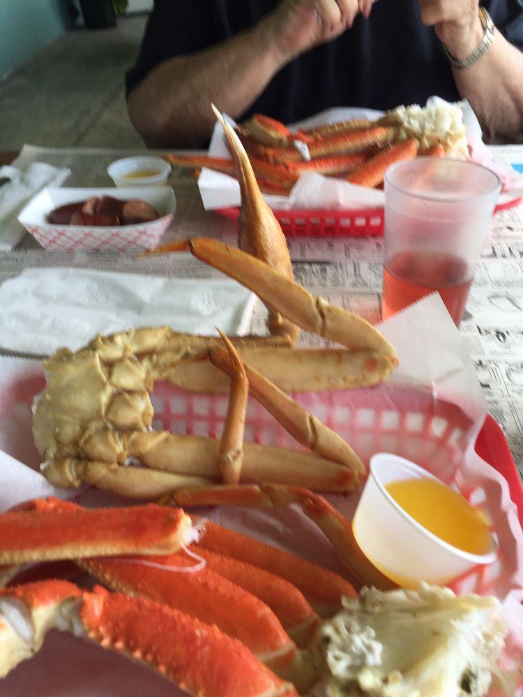 Desposito s seafood restaurant 11 photos 25 reviews for Fish market savannah ga