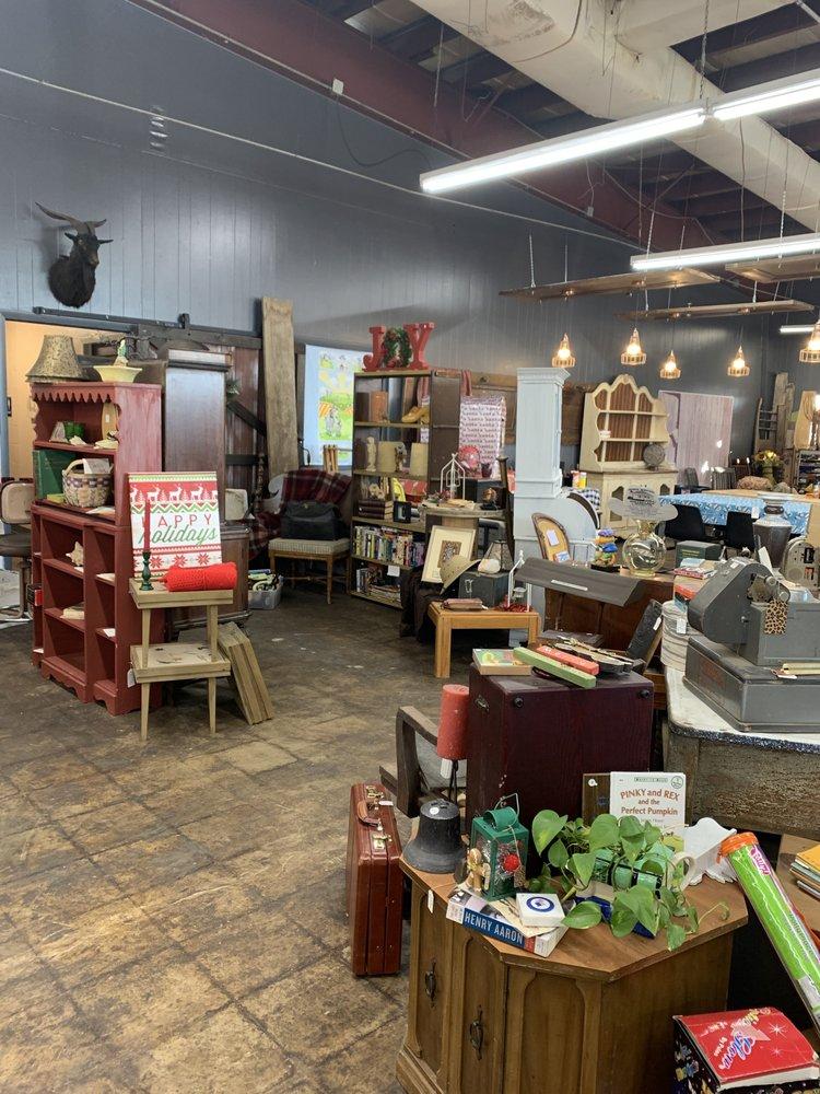 2 Old Goats Market: 12615 Wicker Ave, Cedar Lake, IN