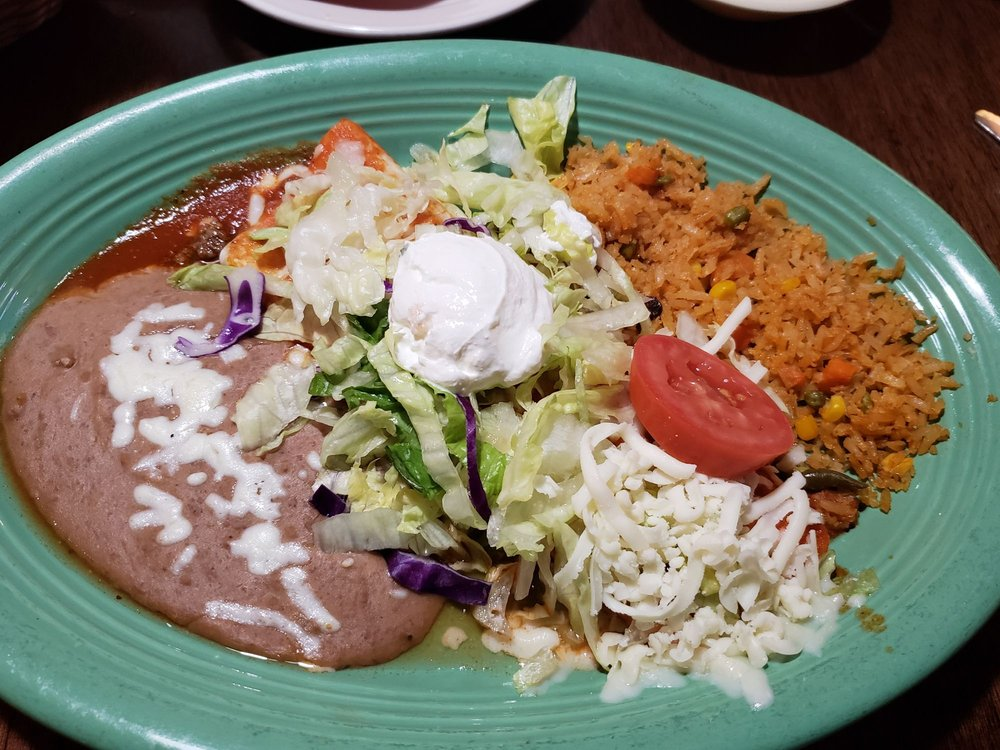 El Patron Mexican Grill & Cantina: 1415 W Service Dr, Winona, MN