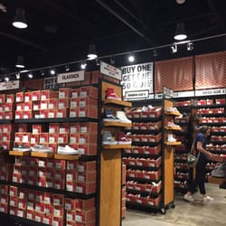 912c90bdb8 Vans Outlet - 21 Reviews - Shoe Stores - 7400 S Las Vegas Blvd ...