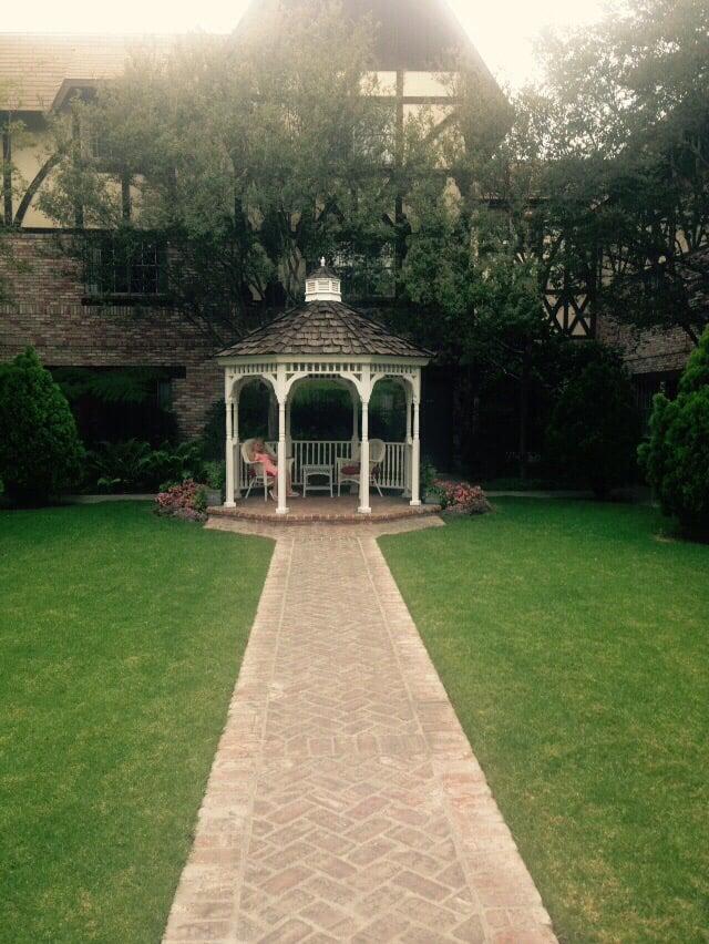 Gazebo to relax yelp for Anaheim majestic garden hotel yelp