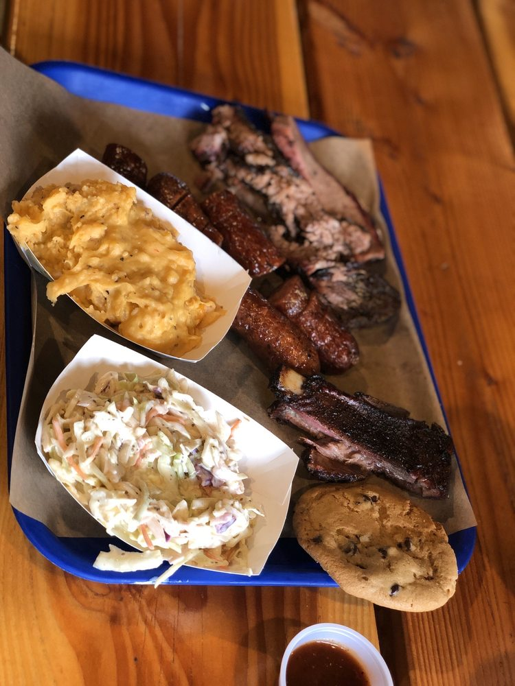 Agee's Barbecue Market: 17730 S Munds Ranch Rd, Munds Park, AZ