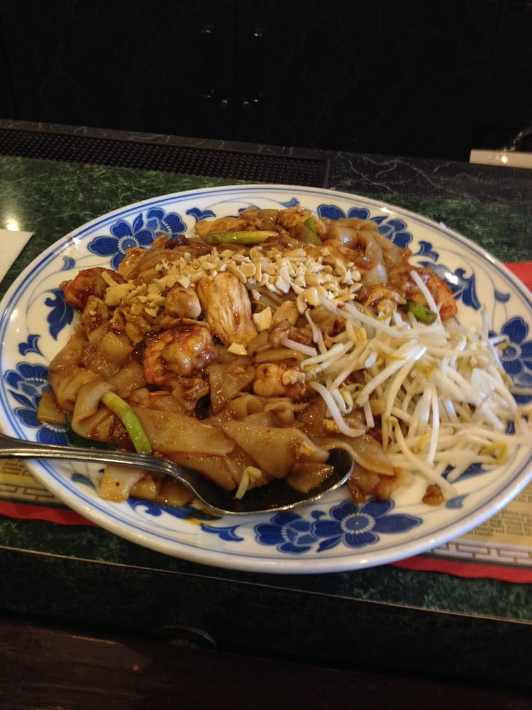 Their Version Of Pad Thai Huge Portion Size Thick Instead Of Thin Noodles Mixed Meats Very