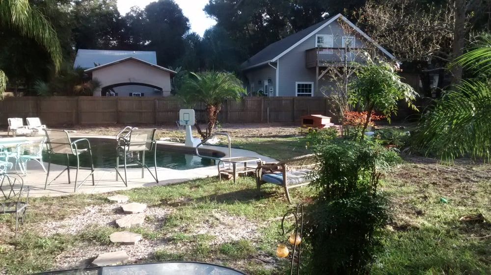 Robert's Tree Service: 5846 County Rd 218, Jacksonville, FL