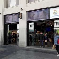 Real Madrid Official Store - Ropa deportiva - Calle Gran Via 45002e858bf8e