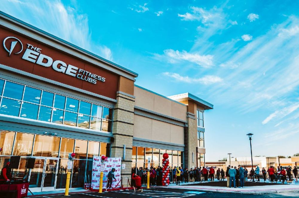 The Edge Fitness Clubs Rochester Hills: 1086 S Rochester Rd, Rochester, MI