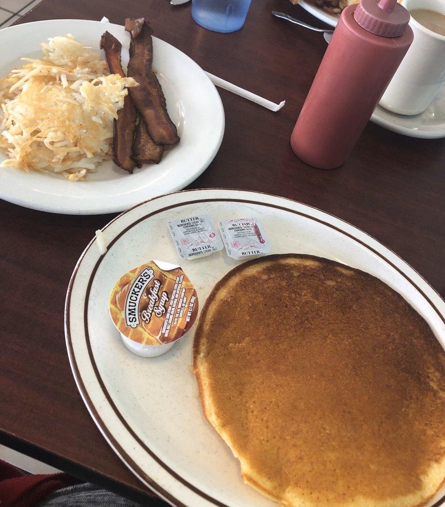 K & D Diner: 600 S Main St, New Lexington, OH