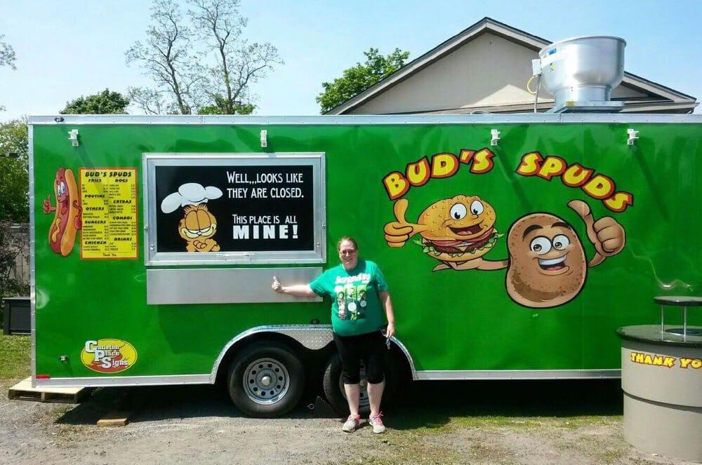 Bud s spuds food trucks moore street carleton