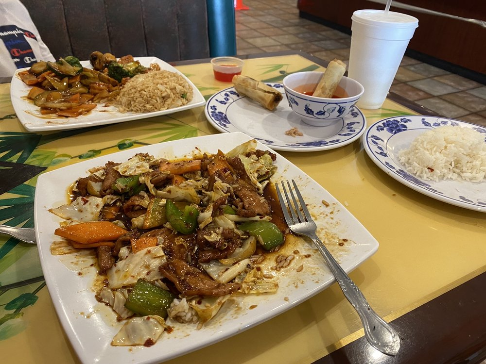 Golden Leaf Chinese: 155 Crown Hill Rd, Excelsior Springs, MO