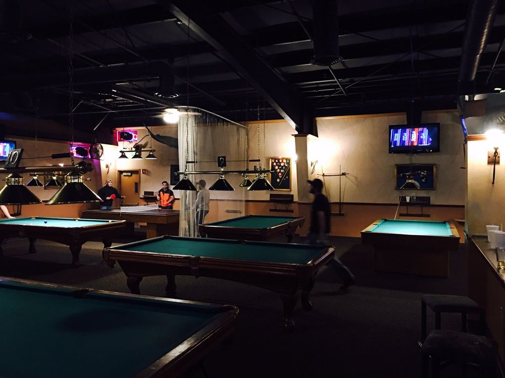 Sharkey's Family Billiards & Pizza
