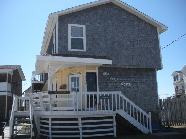 Sea-Sound Motel