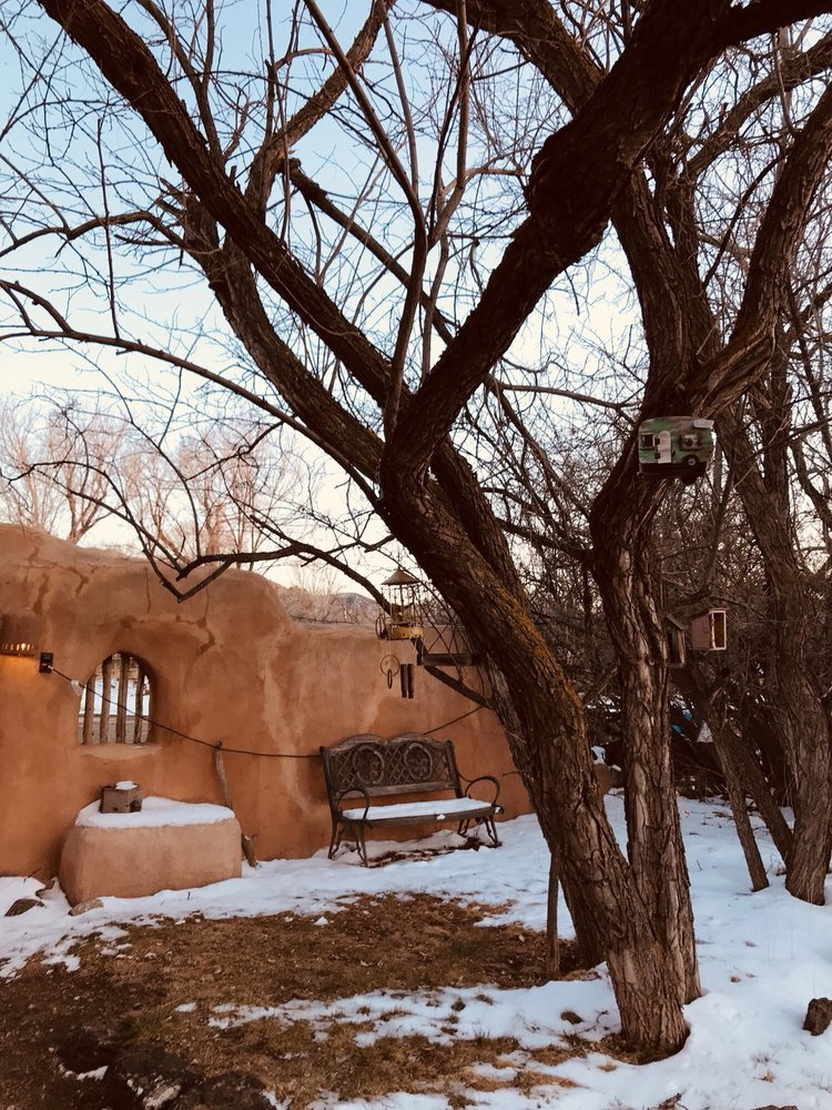 Old Taos Guesthouse Bed & Breakfast: 1028 Witt Rd, Taos, NM