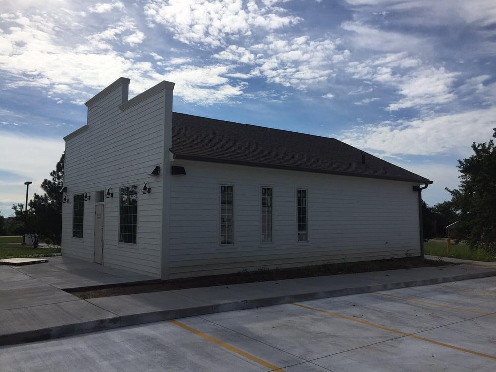 L & L Seamless Gutters: 980 County Rd W Lot S1077, Fremont, NE