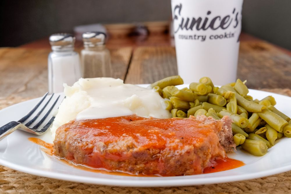 Eunice's Country Cookin'
