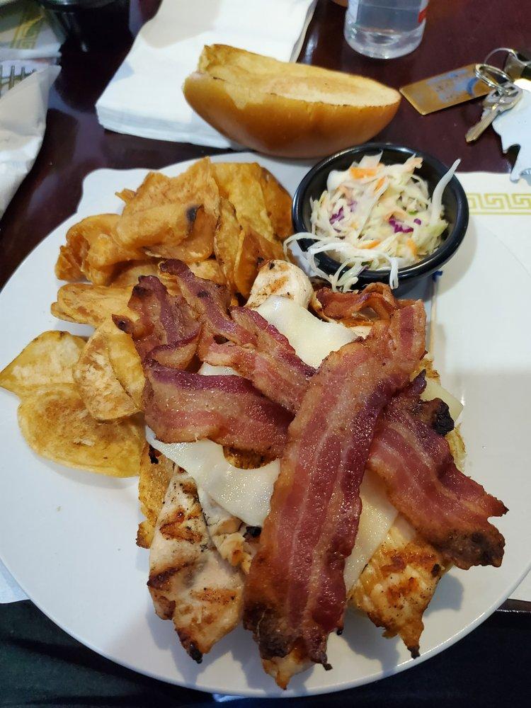 ALBAs Restaurant: 2313 Hwy 547, Lakehurst, NJ