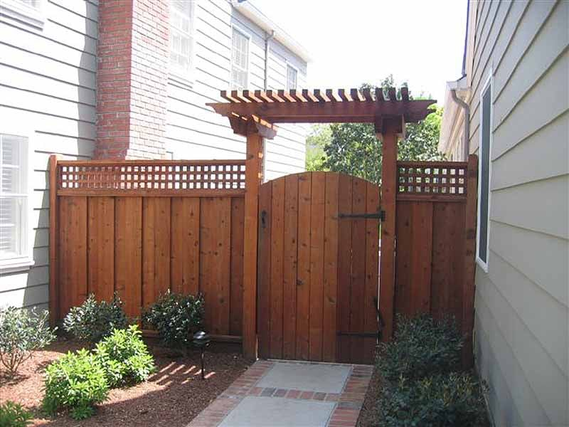 1x6 Board On Board Cedar Fence With Lattice Arched Gate