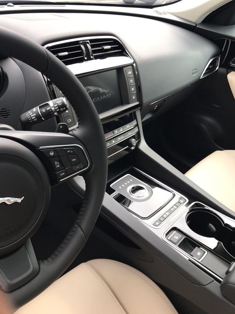Penske Jaguar Land Rover Cerritos: 10861 183rd St, Cerritos, CA