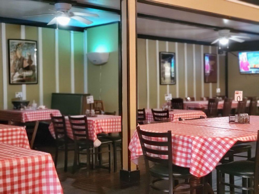 Uncle Vinny's Downtown - Roseboro: 103 W Roseboro St, Roseboro, NC