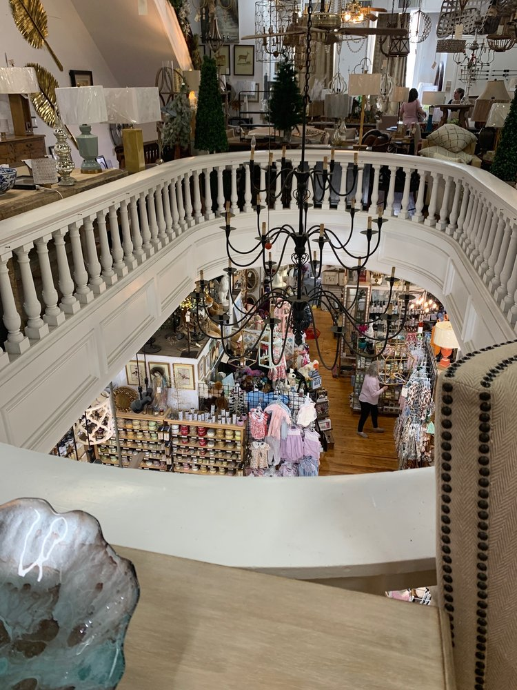 Darby's Gifts & Decorative Accessories: 410 Main St, Natchez, MS