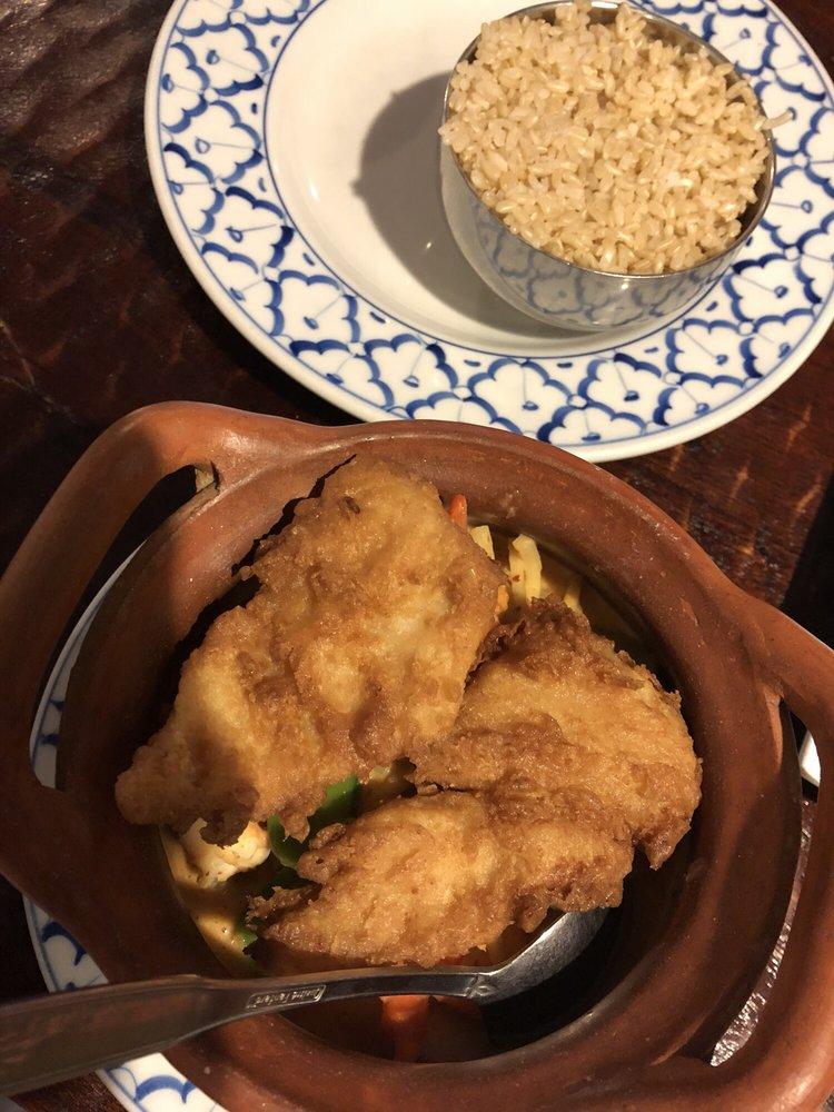 Ruthai's Thai Kitchen: 3164 Linwood Ave, Cincinnati, OH
