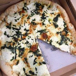 Photo Of Pizzetta S Pizzeria Wilmington Nc United States Pesto