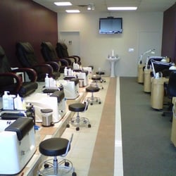 Polished nails spa nail salons 6246 28th st grand for A j pinder salon grand rapids