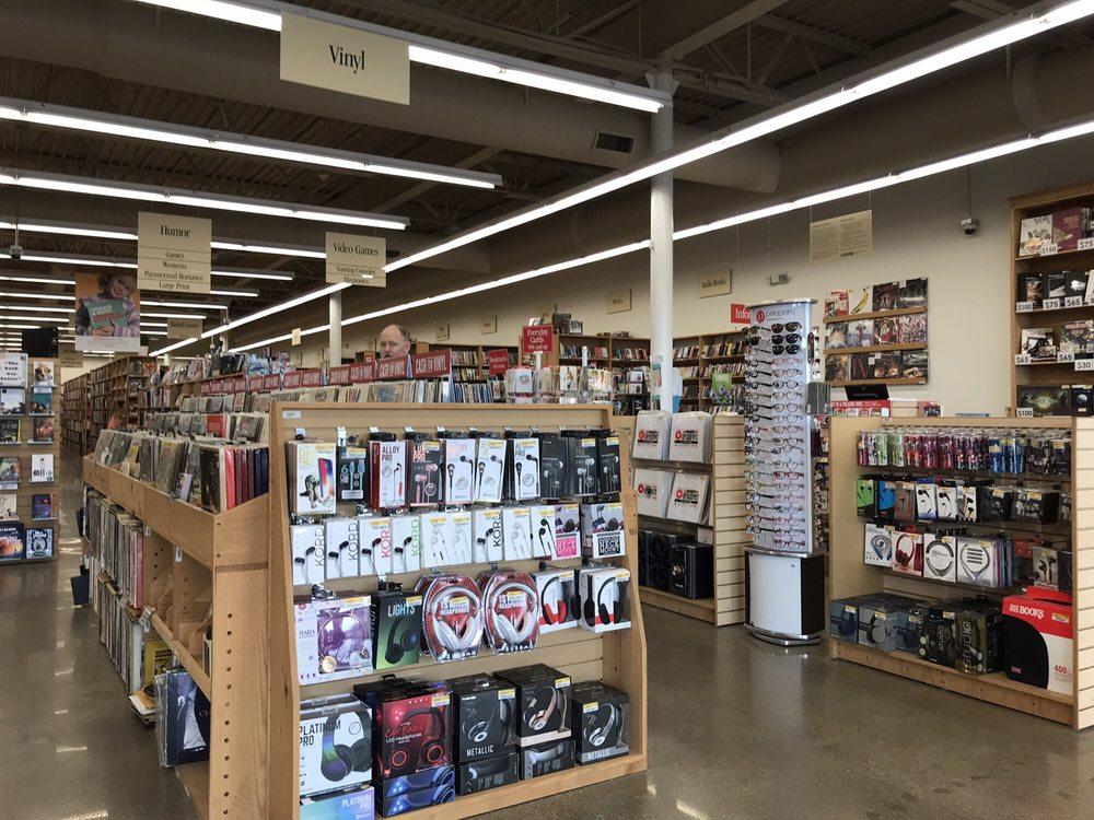 Half Price Books: 454 Ohio Pike, Cincinnati, OH