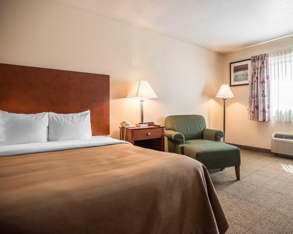 Quality Inn New Columbia-Lewisburg: 330 Commerce Park, New Columbia, PA