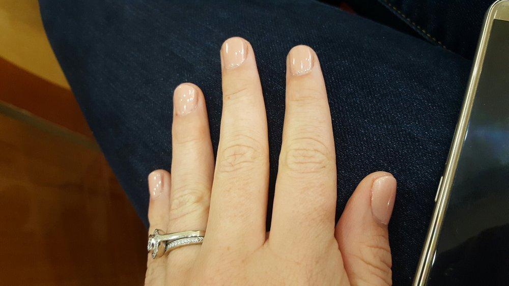 Hollywood Nails: 807 Green Bay Plz, Green Bay, WI