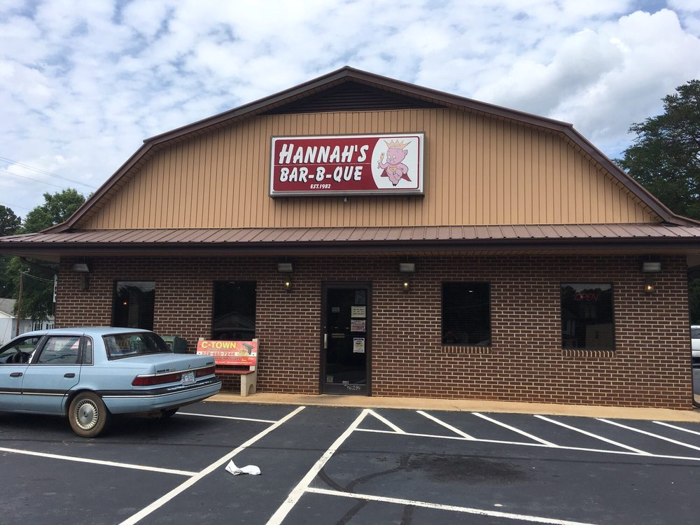 Photo of Hannah's Bar-B-Q: Claremont, NC