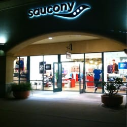 saucony shoes retail locations