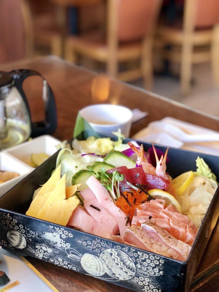Sapporo Sushi & Roll