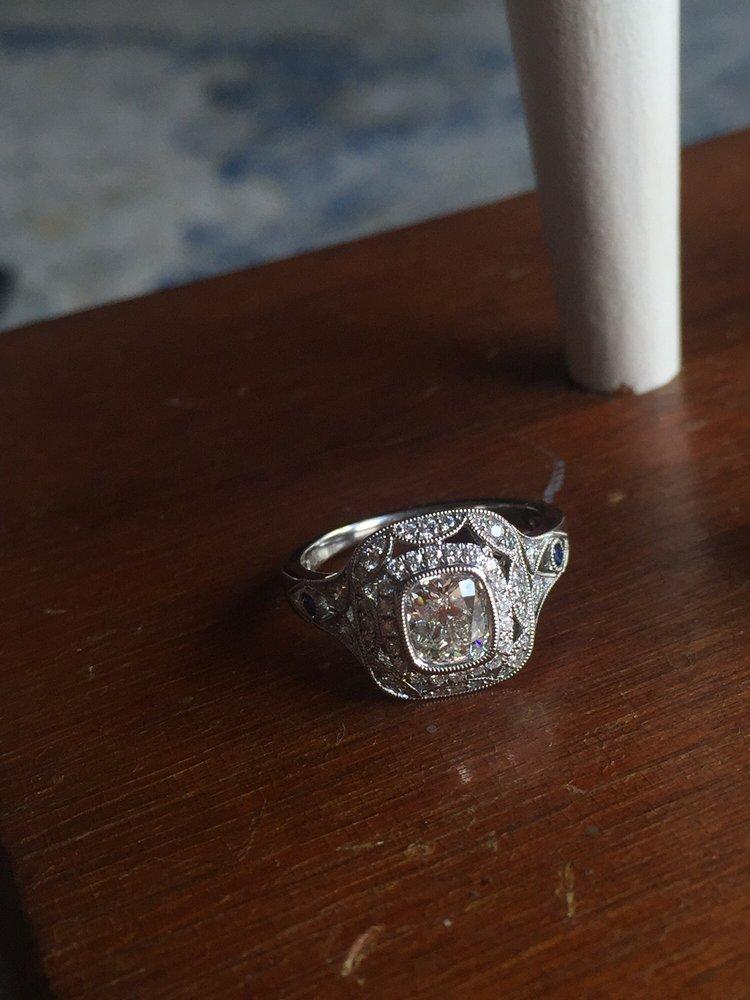 Long's Jewelers: 323 Daniel Webster Hwy, Nashua, NH