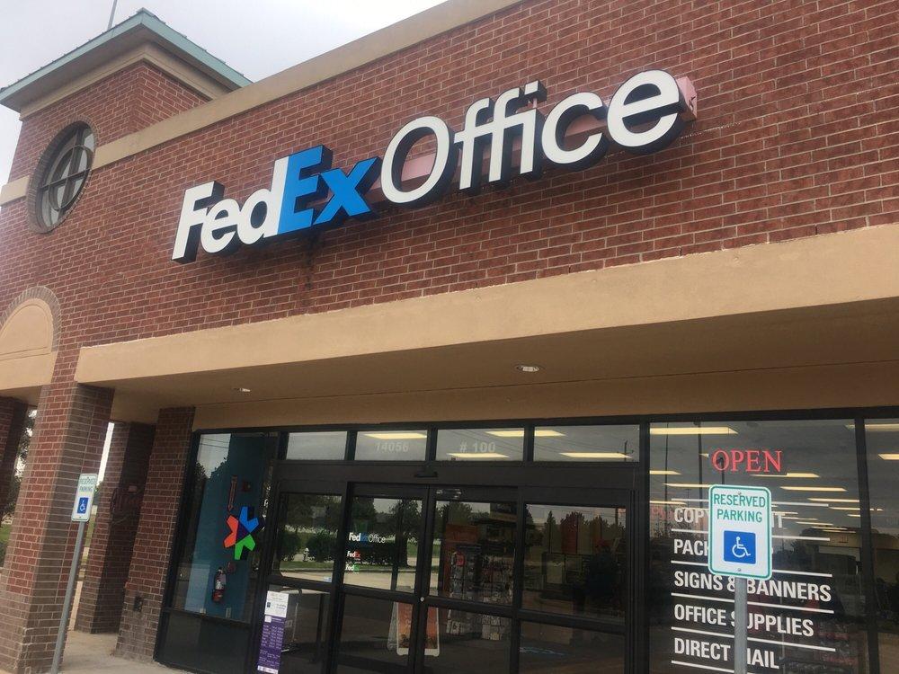 FedEx Office Print & Ship Center: 14056 Southwest Fwy, Sugar Land, TX