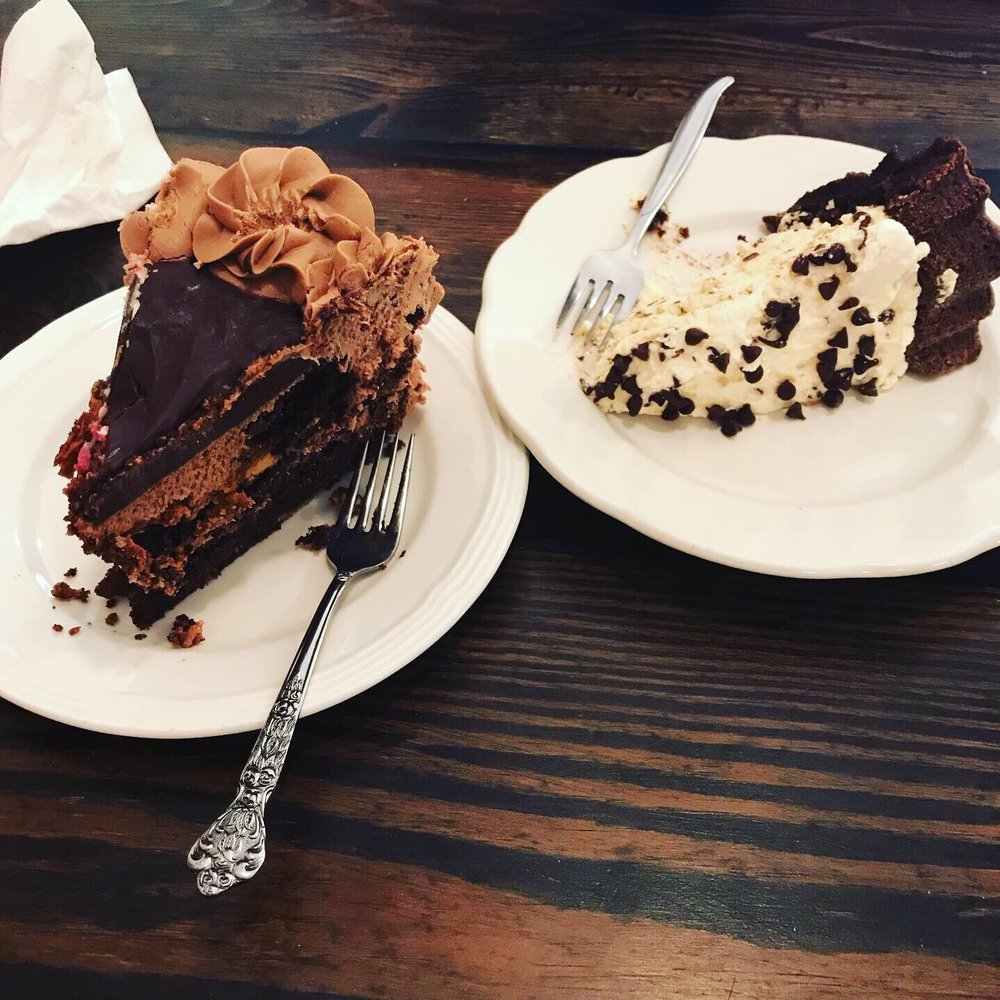 Middle Fork Cafe: 34 Main St S, New London, MN