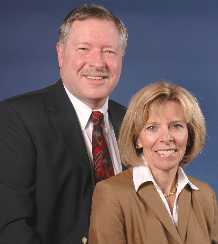 Steve and Carol Bush, Realtors: 15 Railroad Ave, Wolfeboro, NH
