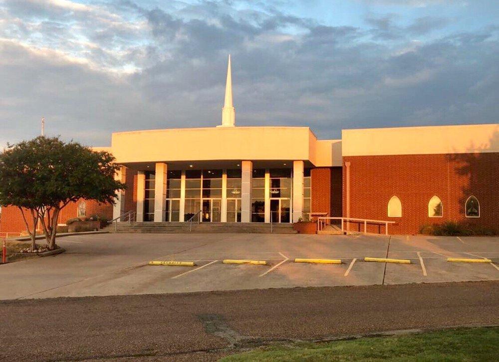 Aurora Baptist Church: 201 Derting Rd, Aurora, TX