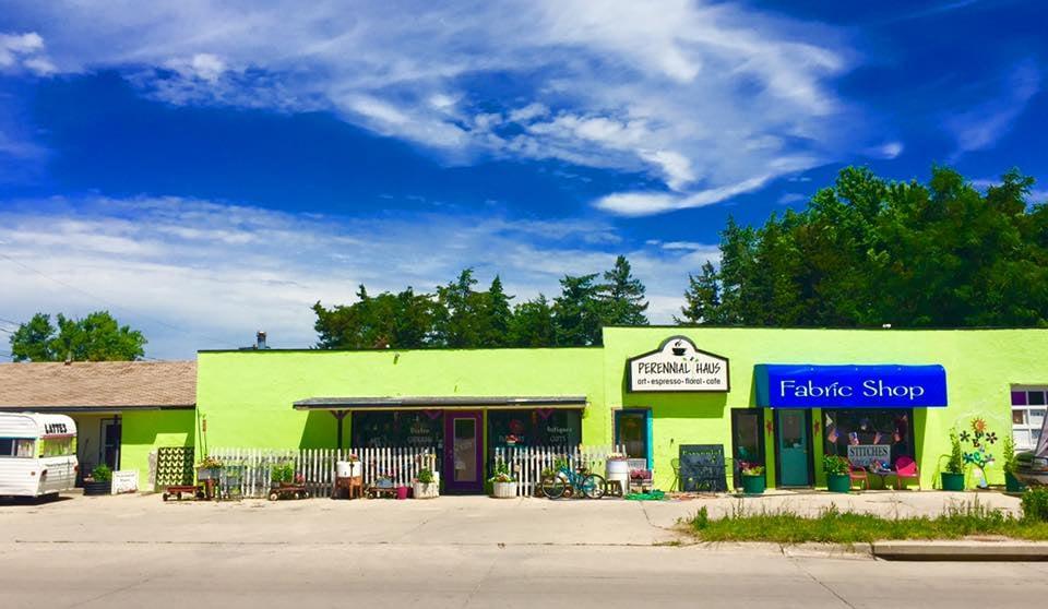 Perennial Haus Floral: 120 McPherson St, Crawford, NE
