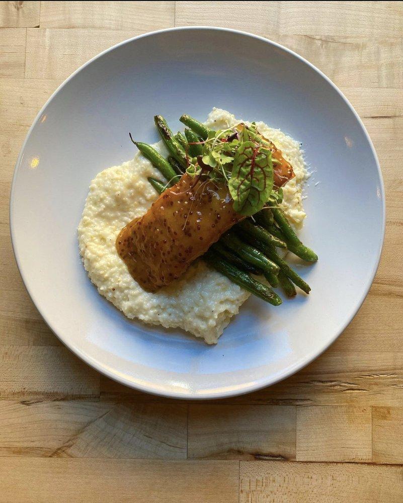 Curious Kitchen and Bar: 42 Main St, Senoia, GA