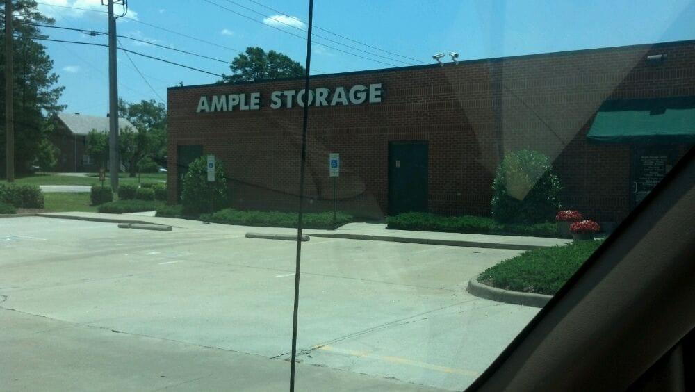 Ample storage depositi e box in affitto 16432 for Ample storage