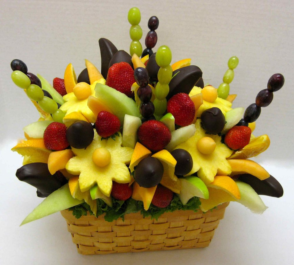 Strawberry Essences Florist & Fruit Creations: 34 E Main St, Buckhannon, WV