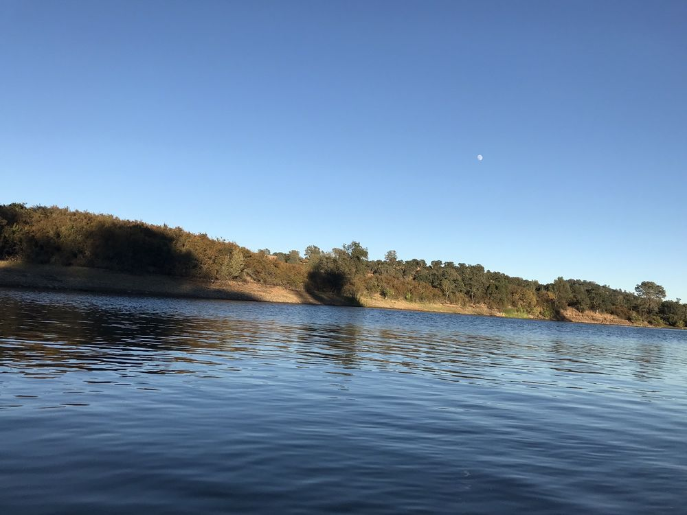 Lake Amador Resort: 7500 Lake Amador Dr, Ione, CA