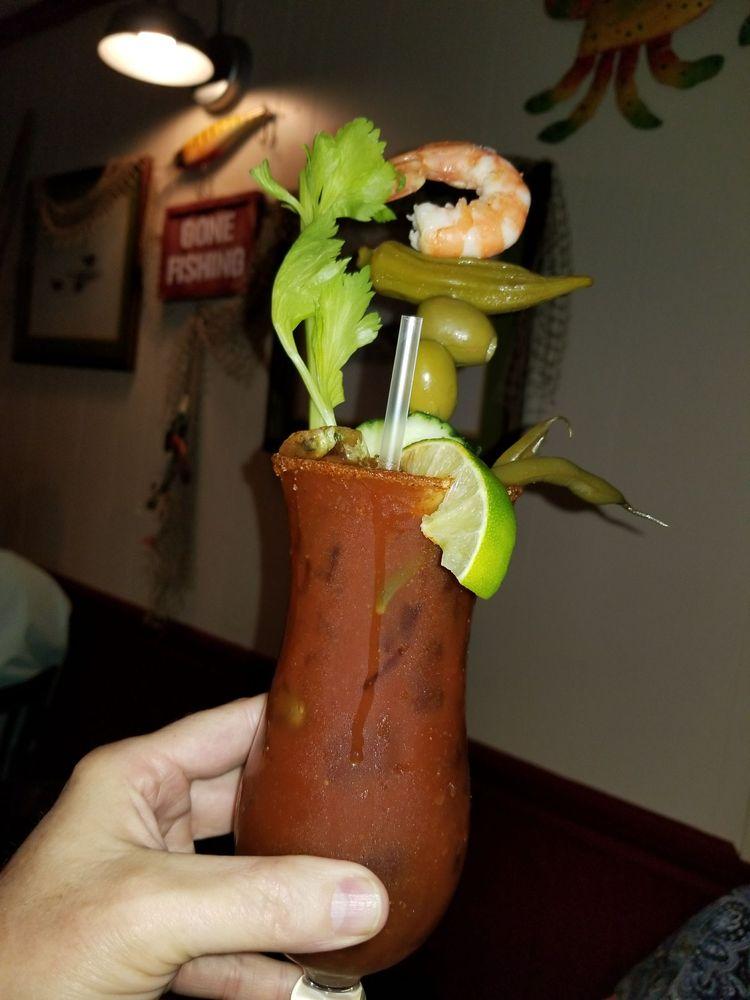Cajun Critters Seafood & More: 6240 W Main St, Houma, LA