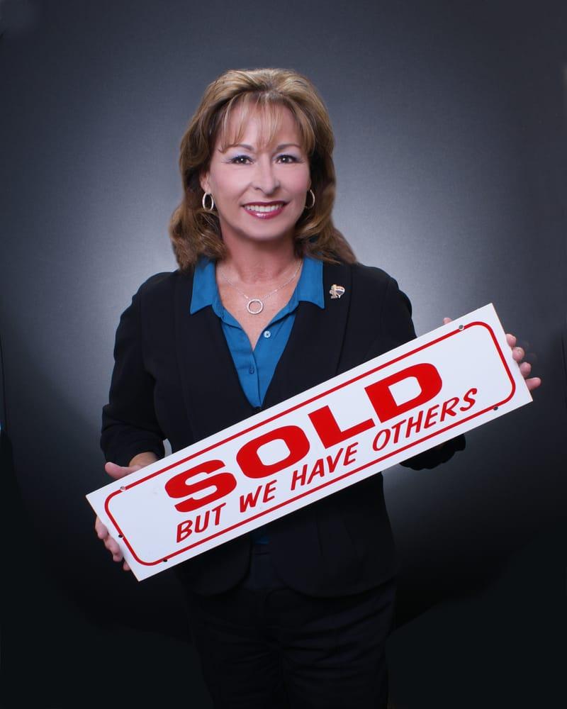 Cheryl Mcfall-RE/MAX Executive: 1215 W Center St, Manteca, CA