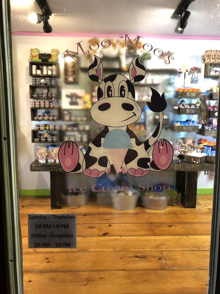 Moo Moo's Ice Cream Shop: 69 N Main St, East Hampton, NY