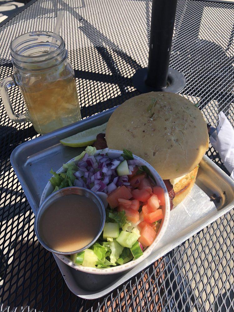 Station Street Cafe: 150 E Station St, Kankakee, IL