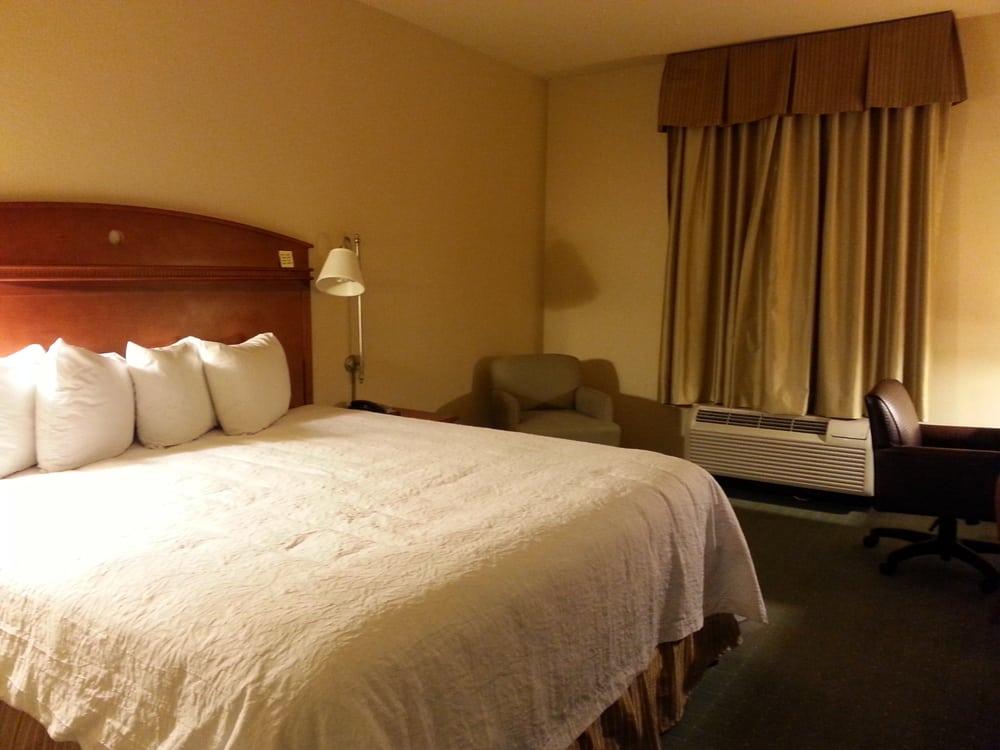 Hampton Inn & Suites Los Angeles/Sherman Oaks: 5638 Sepulveda Blvd, Van Nuys, CA