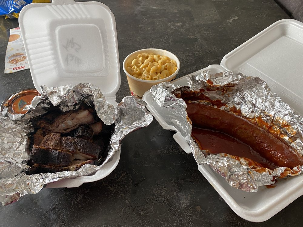 Piggy's BBQ, Wings & Fish: 15925 S IL-RT59, Plainfield, IL